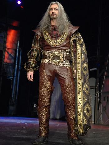 Daniel Hůlka v muzikálu Dracula